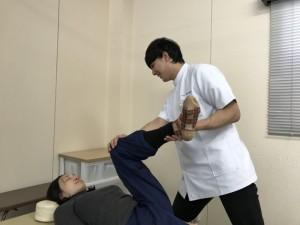 三浦先生足ストレッチ